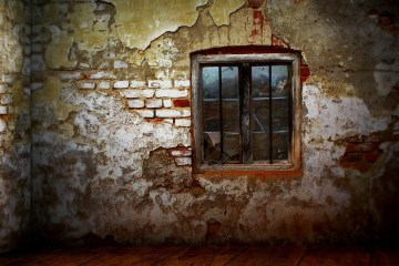 Photo of a window in a decaying wall, by _Marion http://pixabay.com/en/users/_Marion-36647/)