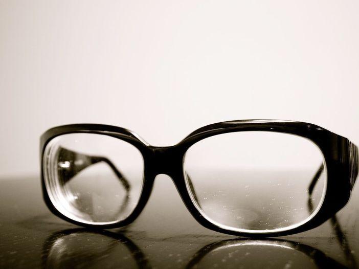 No todo depende de cómo se mire - Imagen de gafas