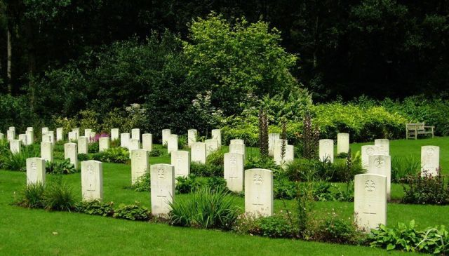 Rifle House cemetery graves - by R/DV/RS
