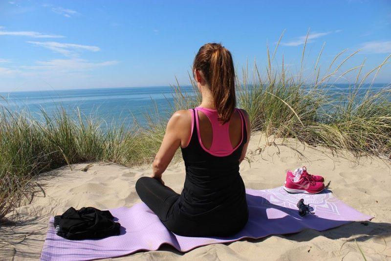 Te puede gustar la foto, pero esta tampoco es una buena postura de meditación