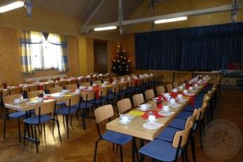 Der festlich geschmückte Saal wartet auf die Gäste zur Nikolausfeier 2015