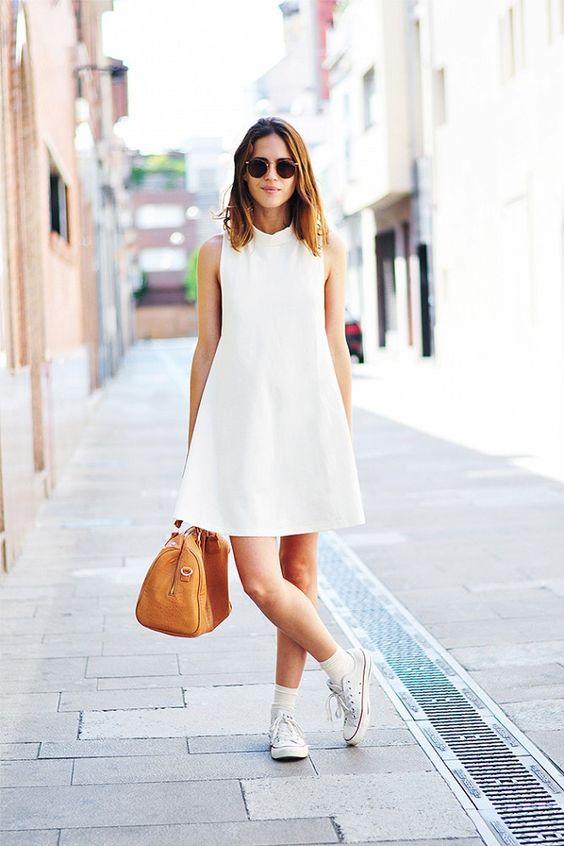 Come abbinare l'abito bianco