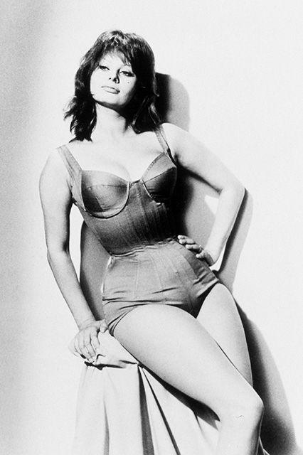 Sophia Loren in costume da bagno