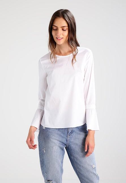La camicia bianca: 10 consigli di shopping per voi1