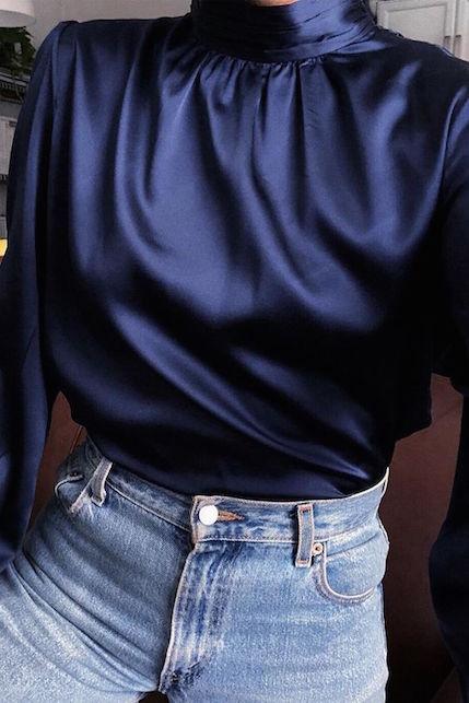 Come abbinare la camicia in seta in modo casualv