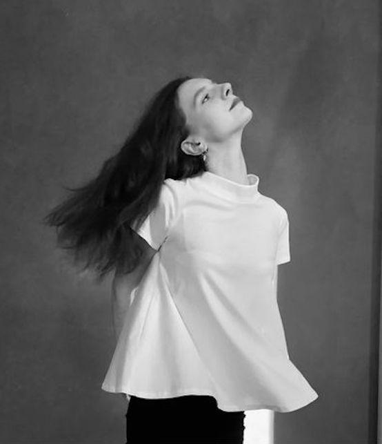 Come abbinare la t-shirt bianca dopo gli anta