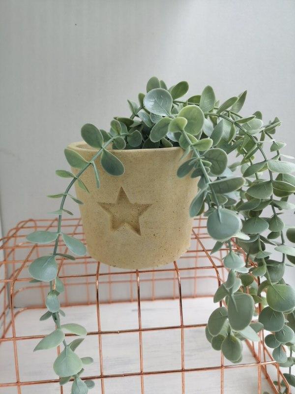 star concrete planter photo 3 cream