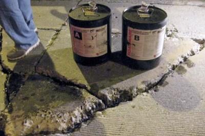 Repairing concrete cracks with Roadware 10 Minute Concrete Mender™