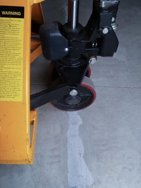 Pallet jack concrete mender