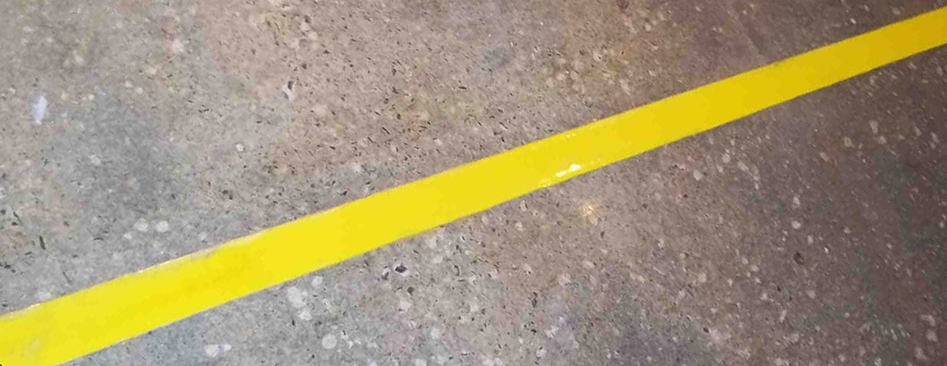 Safety Yellow Line Marking With Concrete Mender Yellow