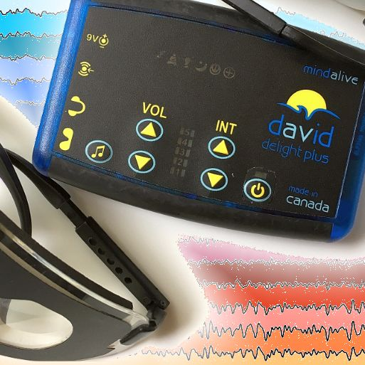 DAVID Delight Plus device with see-through eyesets for AVE over EEG filled with colours