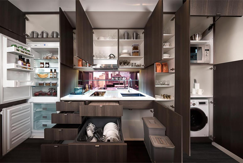 Smart House Condos Kitchen View Toronto, Canada