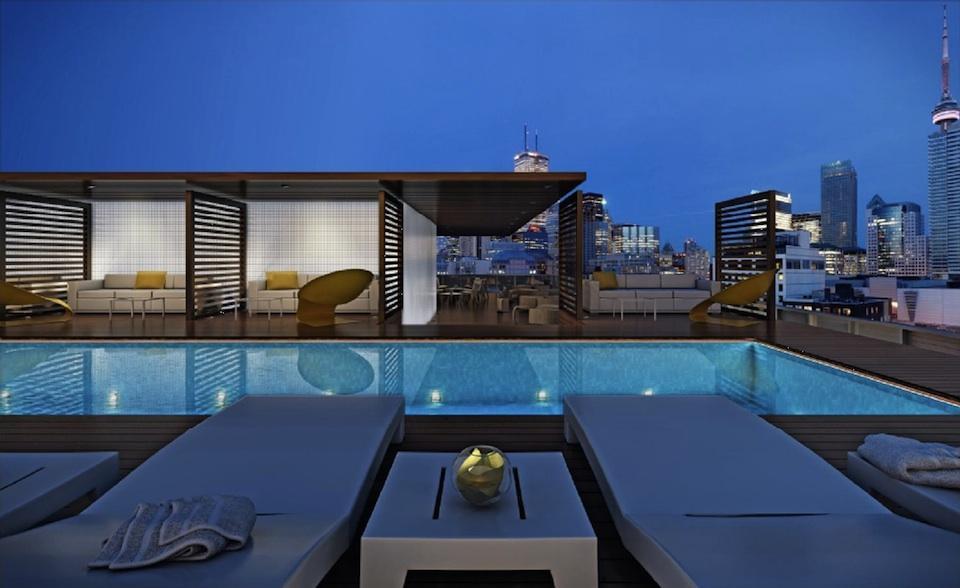 12 Degrees Condos Terrace Pool Toronto, Canada