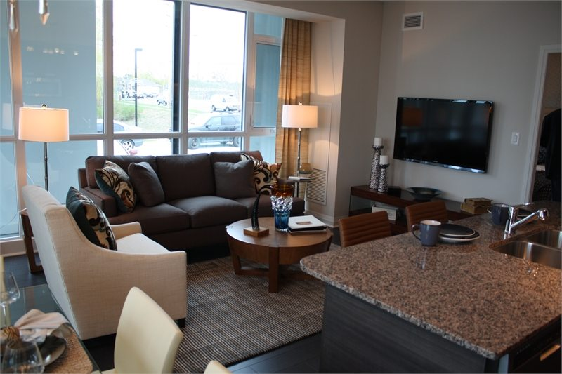 Crystal 2 Condos Room View Toronto, Canada