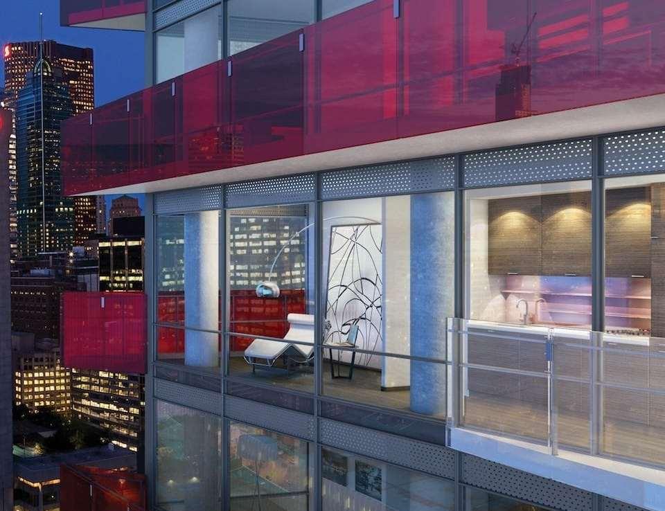 Smart House Condos Close View Toronto, Canada