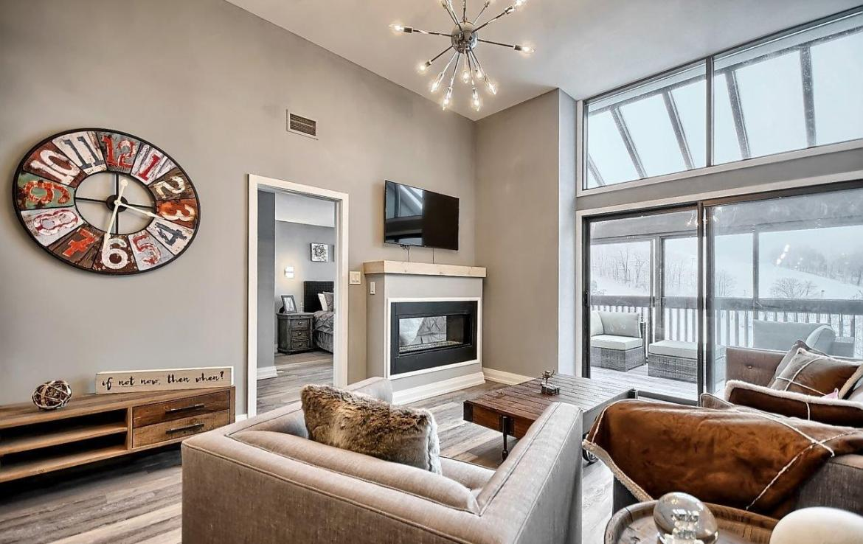 Slopeside at Horseshoe Condos Living Area Toronto, Canada