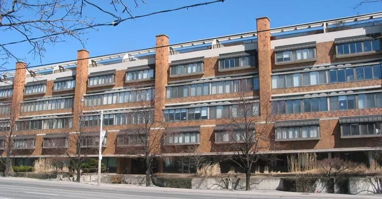 Exterior image of the 315 Avenue Road in Toronto