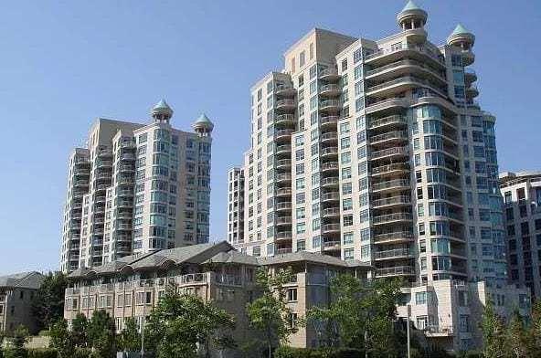 Exterior image of the Newport Beach in Toronto