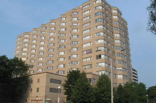 Exterior image of the Park Vista in Toronto