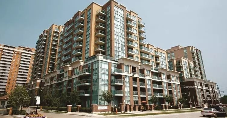 Exterior image of the Port Royal Place II in Toronto