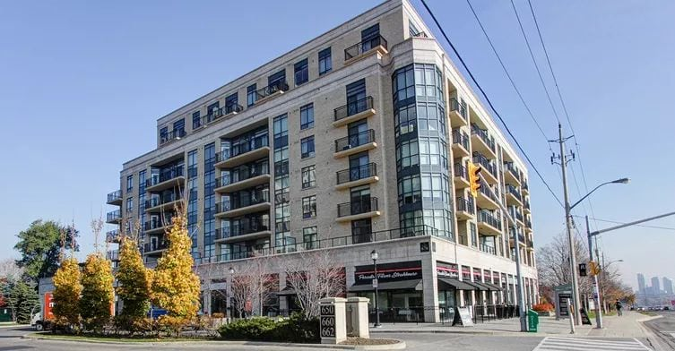 Exterior image of the St Gabriel Manor in Toronto
