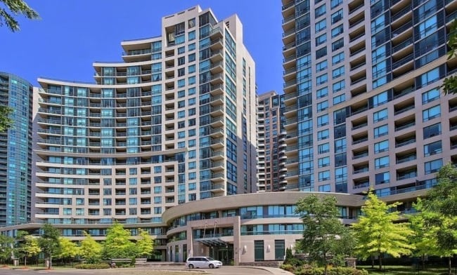 Exterior image of the The Continental 1 in Toronto