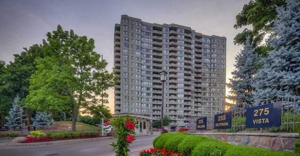 Exterior image of the Vista in Toronto