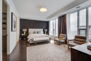 Ten York 66th Floor Signature Suite master bedroom.