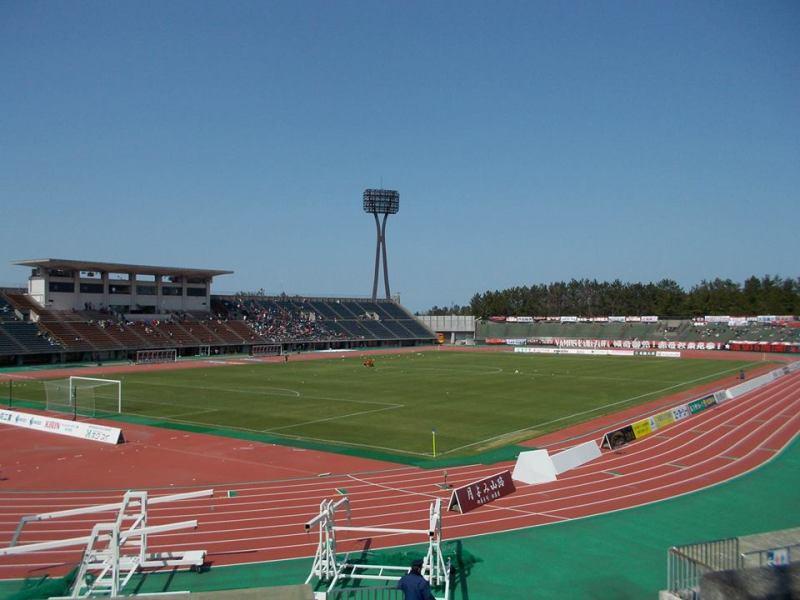 石川県西部緑地公園陸上競技場~新幹線開通で一気に勢い乗った~