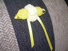 broche amarillo (6)