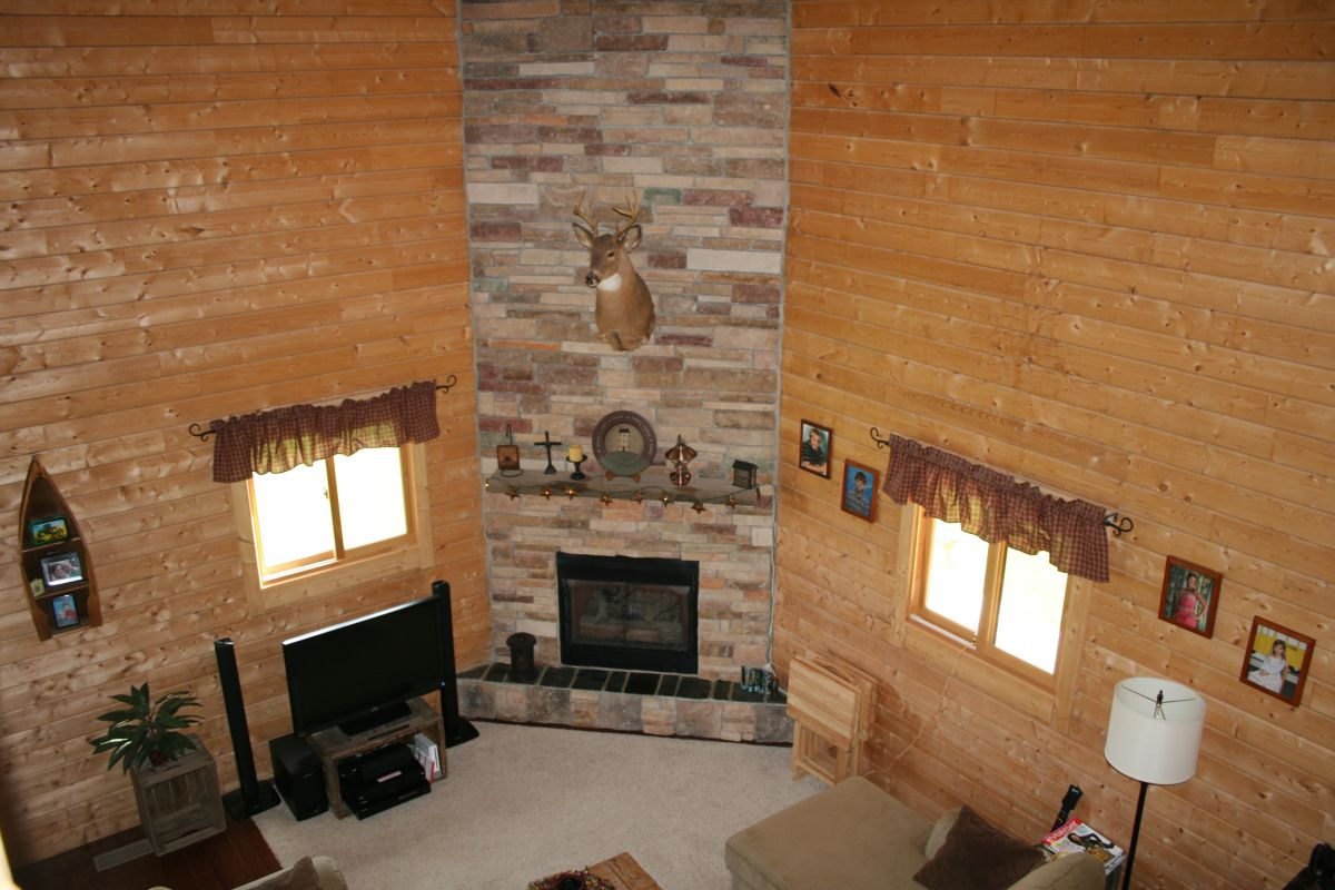 log cabin interior fireplace