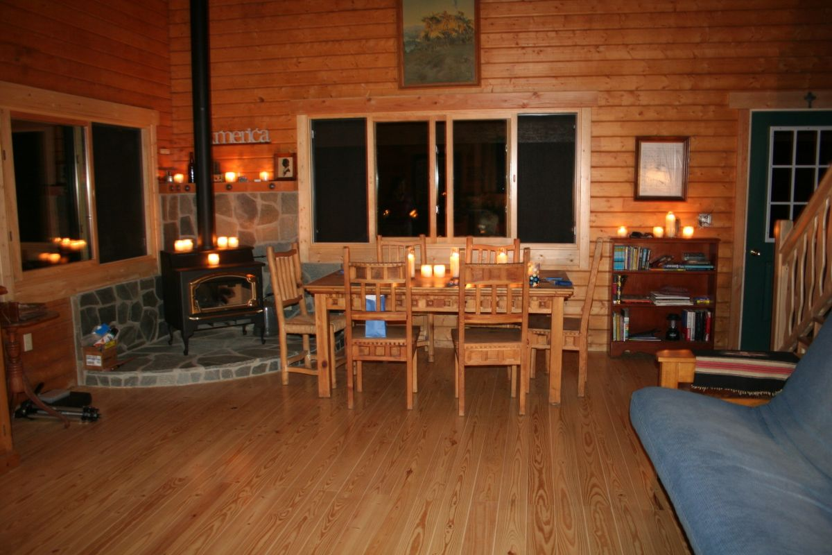 log home ambient dining room