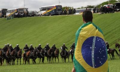 'Brasil e EUA acima de tudo', diz Bolsonaro ao receber prêmio em Dallas 28