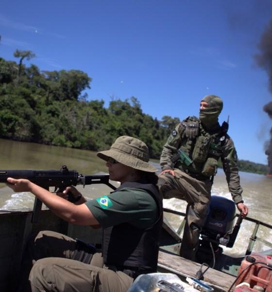 Militares x criminosos da floresta 16