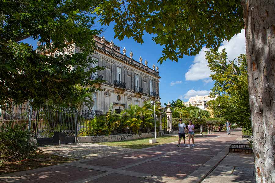 Conexstur-tour-operator-mexico-yucatan-events-walking