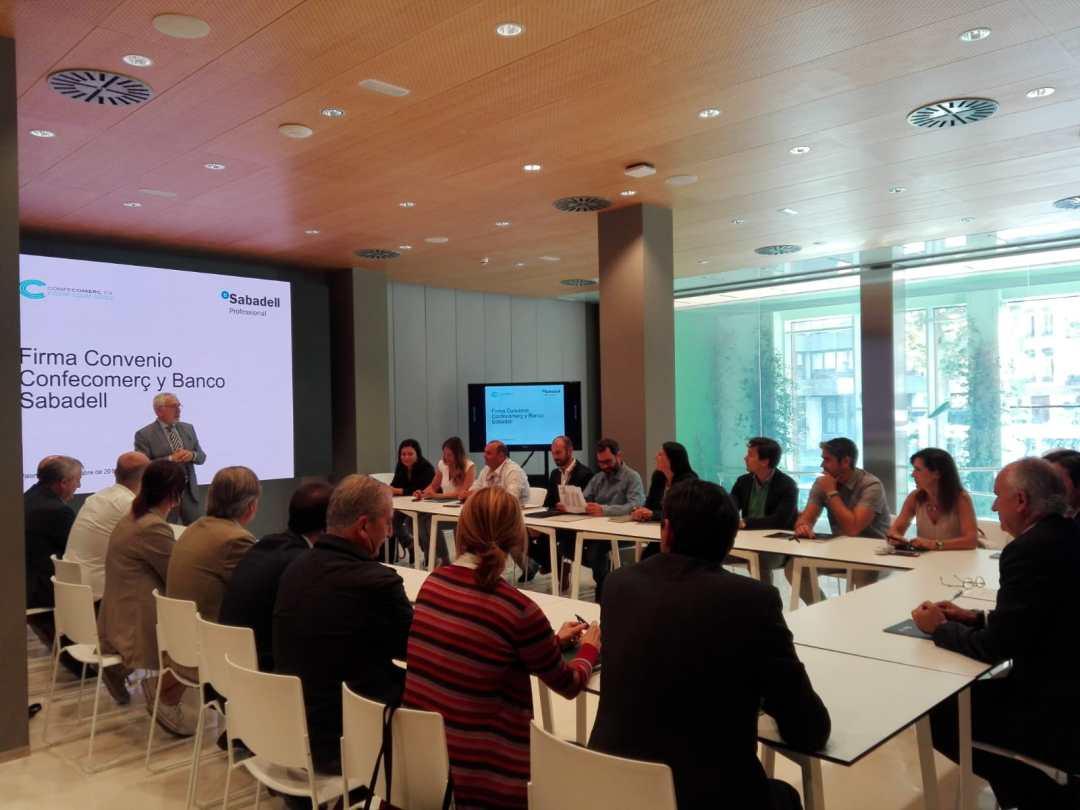 CONFECOMERc CV firma un convenio de colaboración con Banc Sabadell (15)