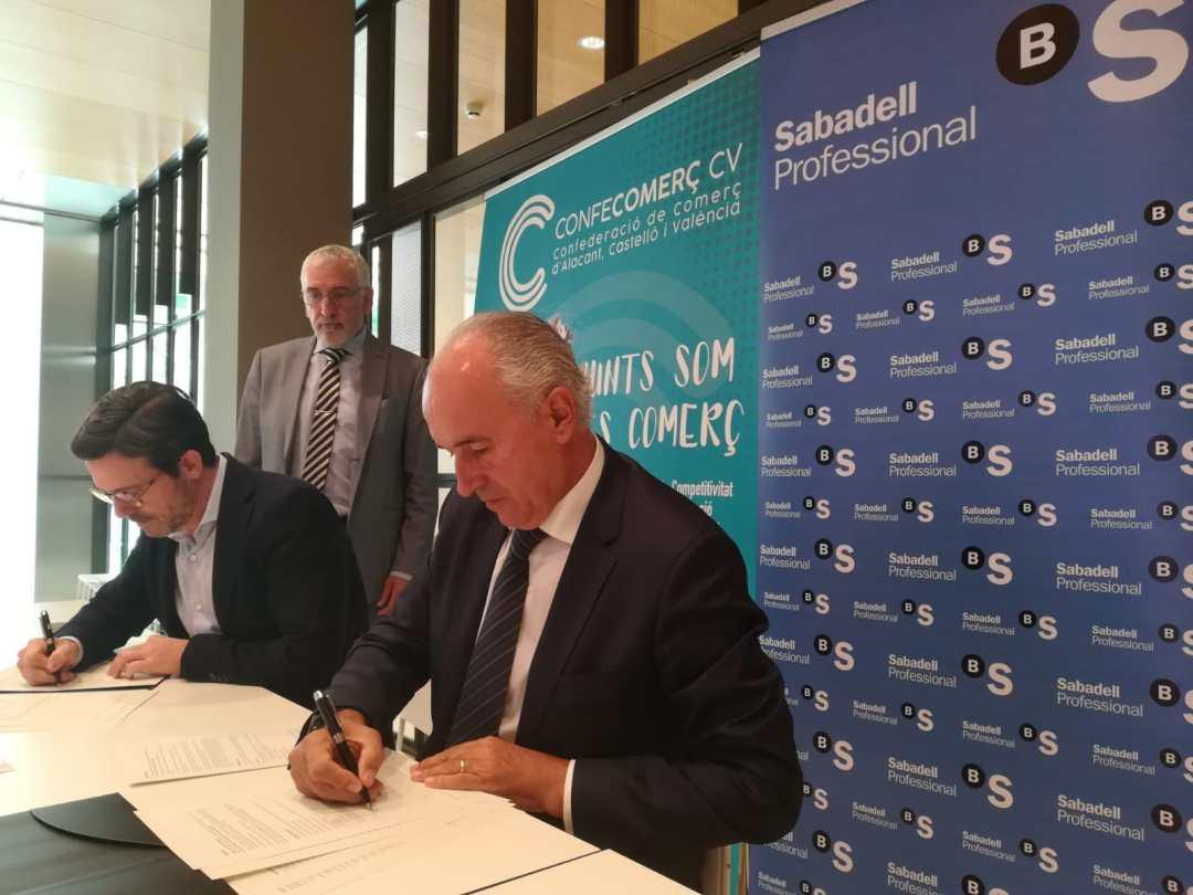 CONFECOMERc CV firma un convenio de colaboración con Banc Sabadell (3)