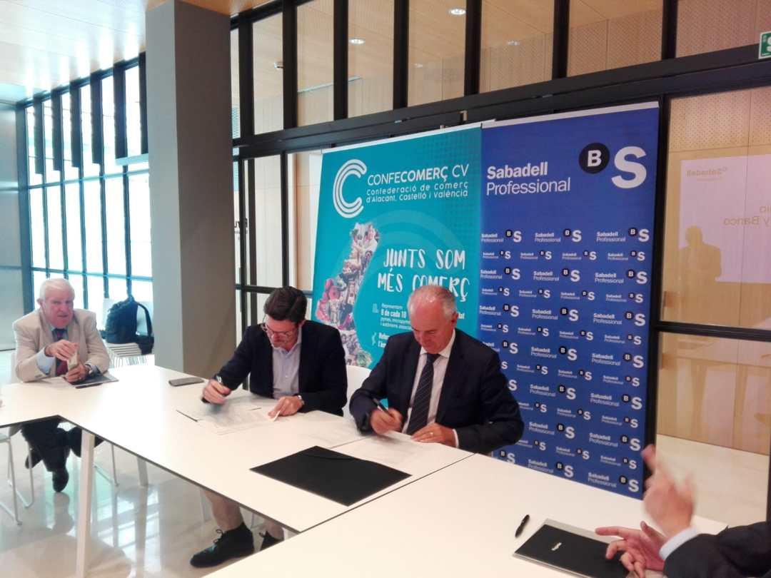 CONFECOMERc CV firma un convenio de colaboración con Banc Sabadell (8)
