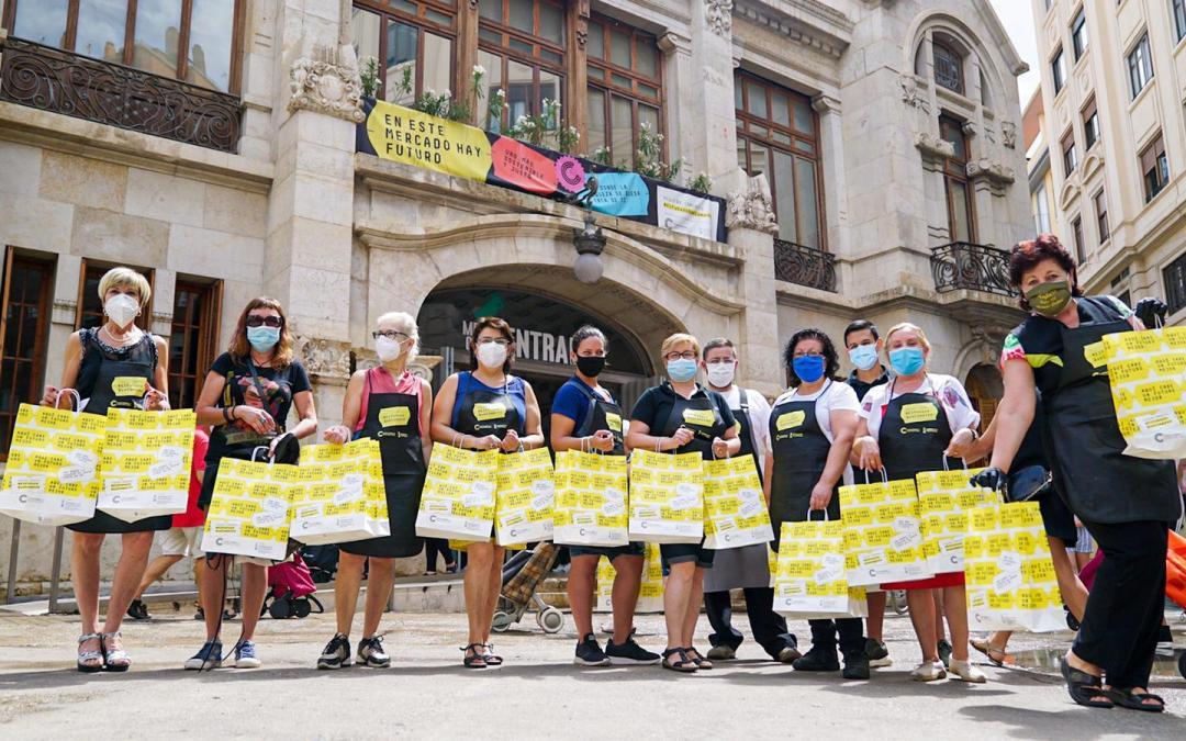 Adhesión Mercado Central de València a la campaña 'Pequeño comercio. El futuro que compras'
