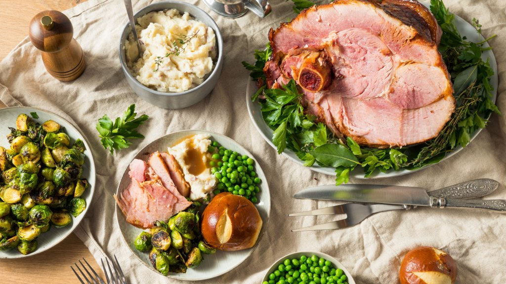 healthy holiday meal with vegetables and ham