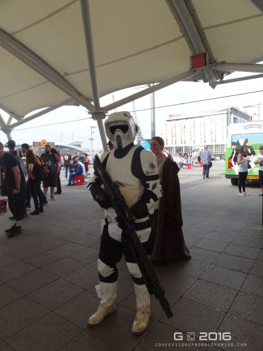 Amazing Stormtrooper cosplay!