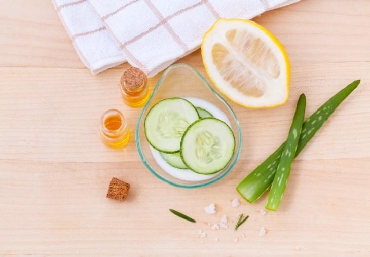 toner-skin-skincare-cooling-facial-slice-natural