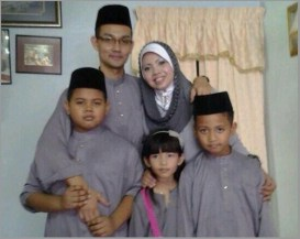 Wan Swaid Bin Wan Ismail pictured here with his family. He joined MAS in 1995 and was leading Seward on MH370.