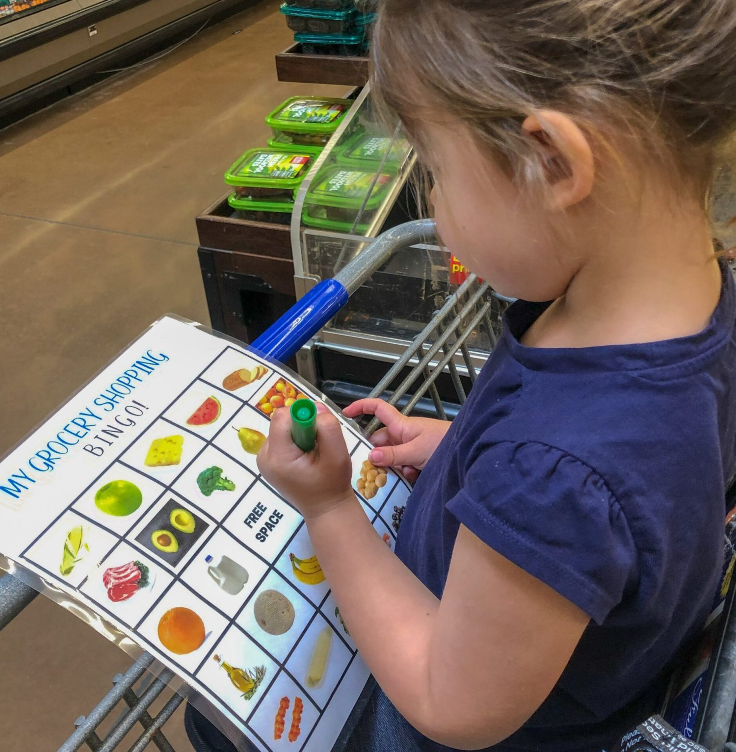 I used to hate taking toddlers to the grocery store, but then I discovered 7 genius ways to keep your toddler entertained at the grocery store you want to start doing now!