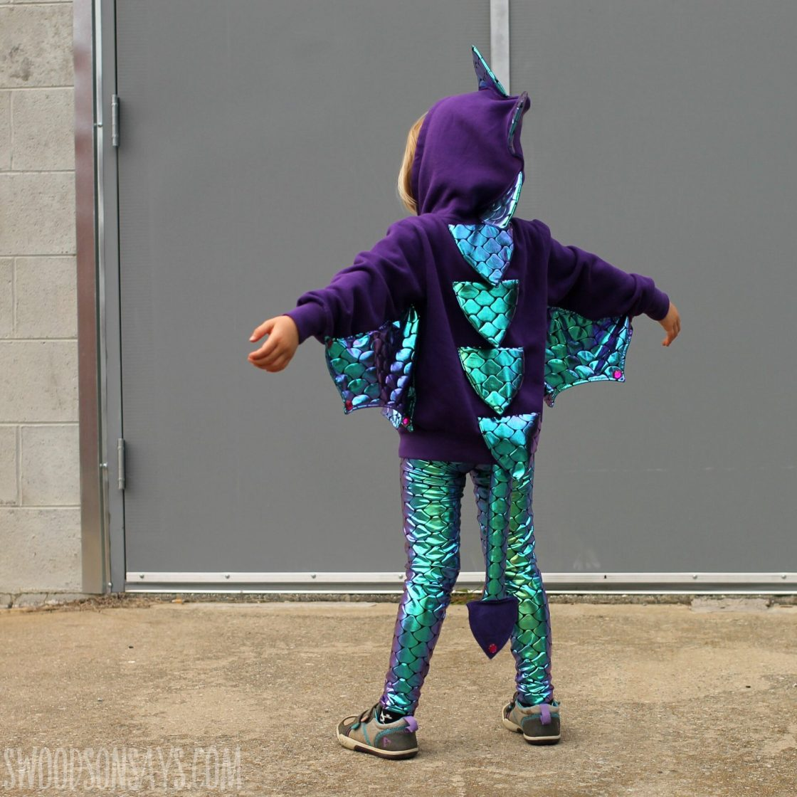 Halloween is upon us and that means trying to figure out Halloween Costumes! We have rounded up more than 50 DIY Halloween Costumes that are simple to throw together and absolutely adorable!