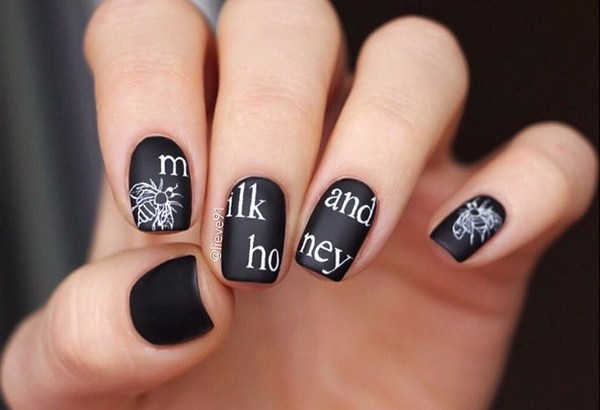 Stunning manicure with inscriptions 2018-2019 of the year: words on nails - photo ideas 14