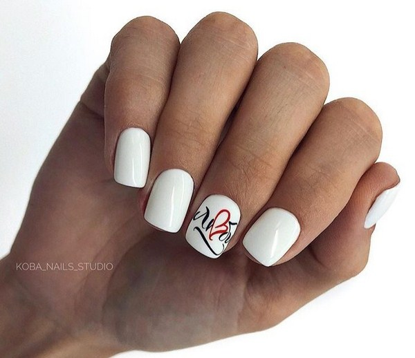 Stunning manicure with inscriptions 2018-2019 of the year: words on nails - photo ideas 20