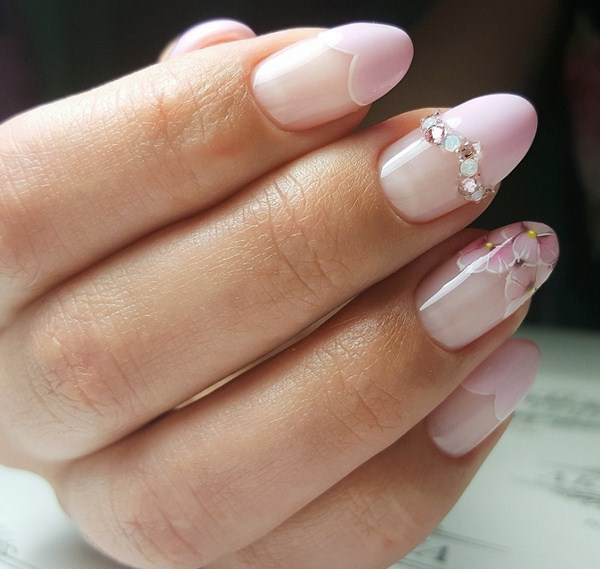2018-2019 Bride's Wedding Manicure: Luxurious Nail Designs 16