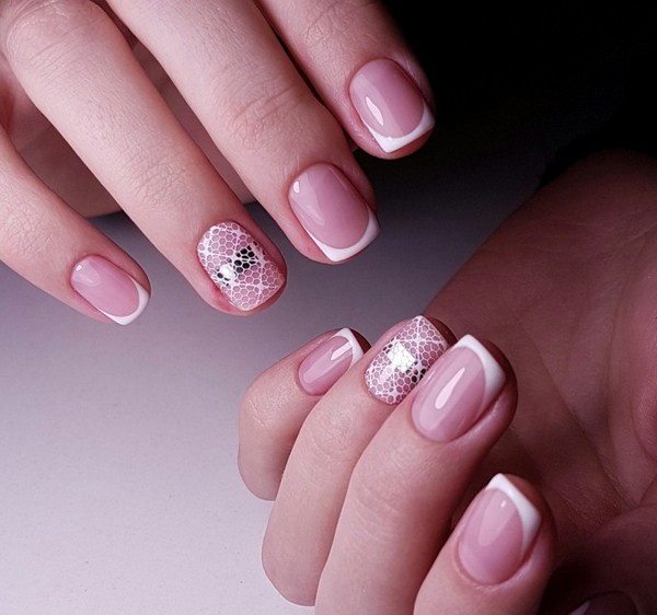 2018-2019 Bride's Wedding Manicure: Luxurious Nail Designs 11