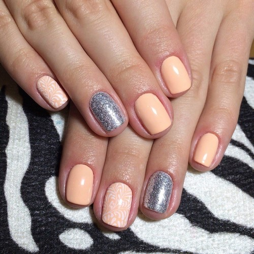 Fashionable manicure with sparkles and glitter: photos, the best ideas 41